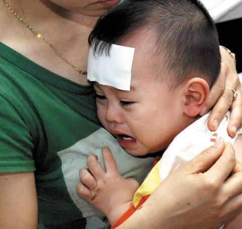Trẻ đề kháng kém dễ mắc các bệnh về hô hấp, tiêu hoá.