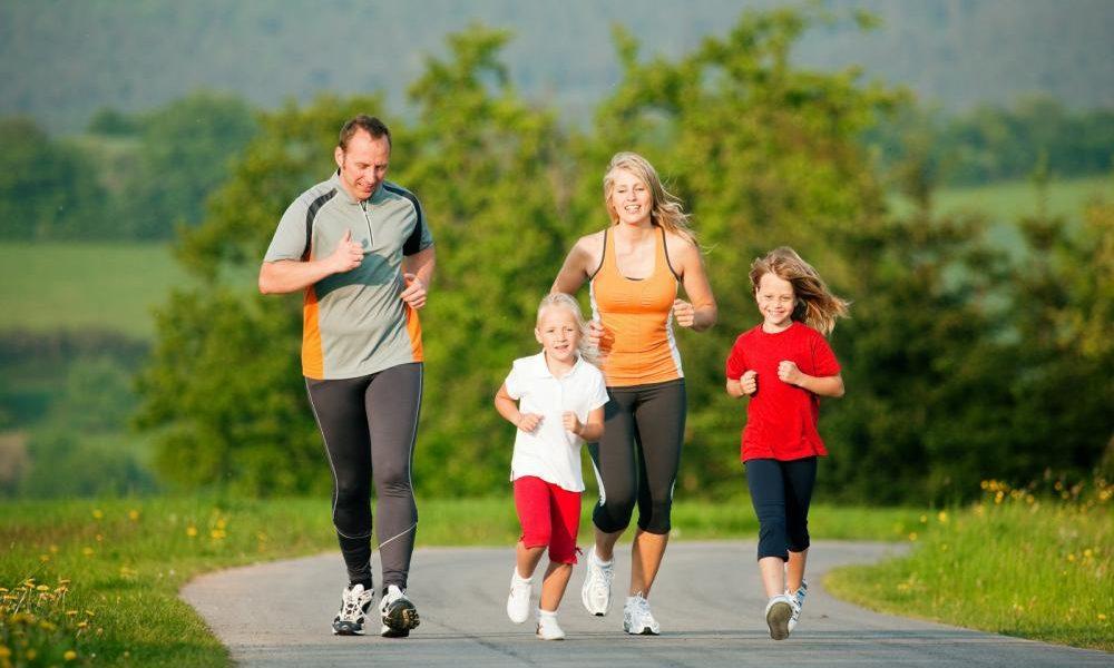 Sức đề kháng của trẻ suy giảm nếu trẻ ít vận động thường xuyên, không tiếp xúc với môi trường ngoài