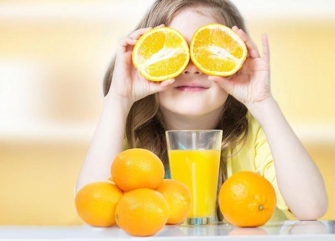 """Tăng cường sức đề kháng cho con bằng Vitamin C, liệu có """"thần thánh""""?"""