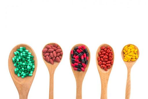 Trẻ hấp thụ kém, thiếu chất, bổ sung bằng vitamin tổng hợp có nên không?