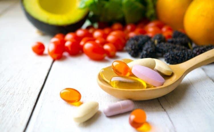 Khi cho con uống vitamin qua mức có thể gây ra tác dụng phụ, một số có thể gây nguy hiểm