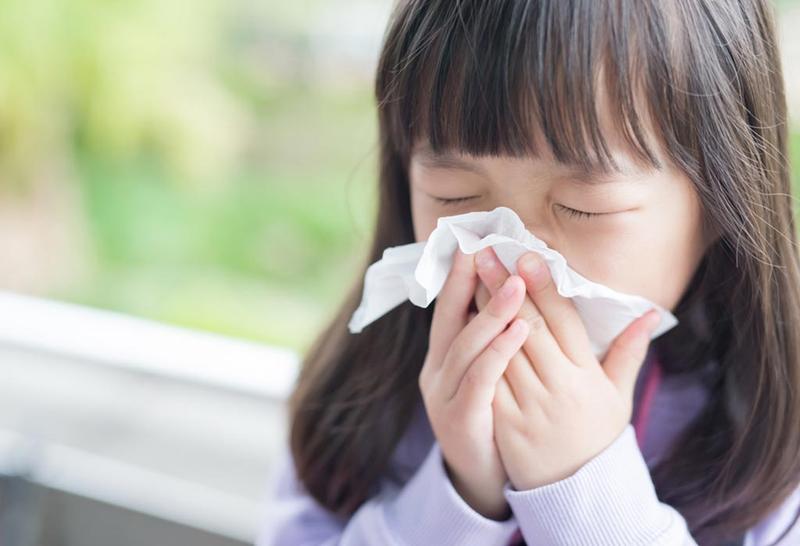 Vitamin C không giúp phòng ngừa cảm lạnh nhưng làm giảm các triệu chứng cảm lạnh