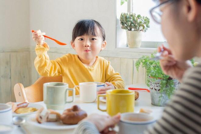 Hệ miễn dịch tốt thì trẻ khỏe mạnh, con hay ốm vặt mẹ phải biết cách này
